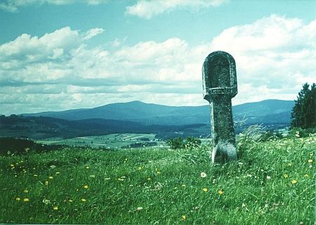 ... a jeho snímek Bobíka (Schreiner) a Jedlové (Stöger Berg) z přibližně stejné perspektivy jako ten předchozí
