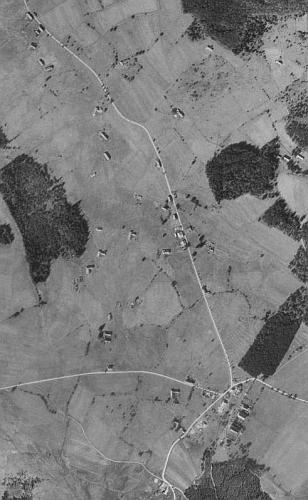 Ondřejov na leteckých snímcích z let 1952 a 2008 (viz i Anna Kanglerová)