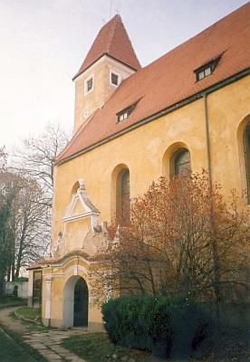 Kostel sv. Bartoloměje v Malontech