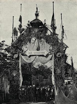 Jeden ze tří schwarzenberských pavilonů naJubilejní výstavě 1891