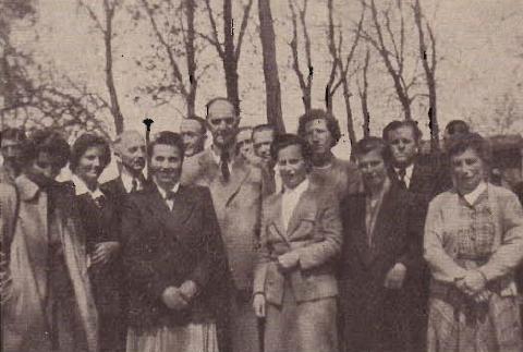 Pří setkání s bývalými žákyněmi ze Záblatí v Ingolstadtu roku 1954