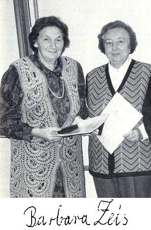 Při udělení medaile Johanna Nepomuka Neumanna roku 1997, B. Zeisová vlevo, vedle ní R. Tahedlová