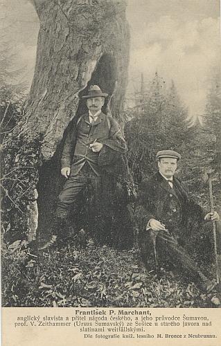 """Jeho syn Viktorin Zeithammer, užívající i pseudonym """"Ursus Šumavský"""", na společném výletě s anglickým přítelem Frankem Marchantem"""