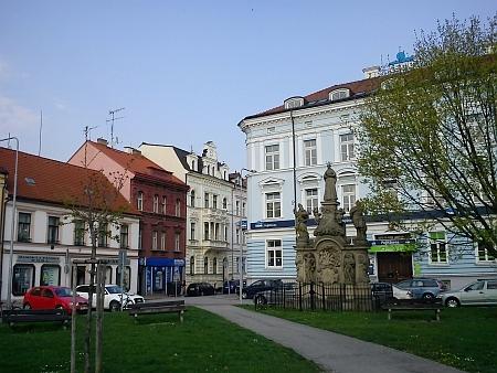 Dnešní (2013) pohled na tuto část Mariánského náměstí