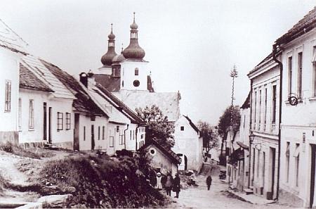 Dobrá Voda u Nových Hradů na starém akvarelu a snímku z roku 1925, který zachycuje dnes už neexistující část obce