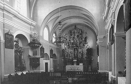 Vnitřek odstřeleného kostela