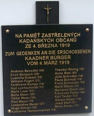 Památník v Kadani připomíná místní občany, zastřelené při sociálně demokratické manifestaci za sebeurčení Němců v Čechách dne 4.března1919