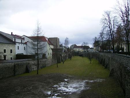 Městské opevnění ve Freistadtu...