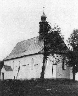Kostel sv. Linharta v Uhlišti zvenku a zevnitř